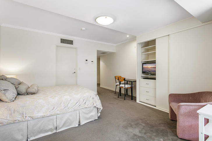 211/9-15 Central Avenue, Manly 2095, NSW Studio Photo
