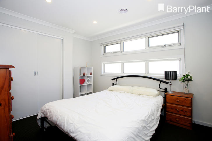 2/15 Lamb Street, Cranbourne 3977, VIC Townhouse Photo