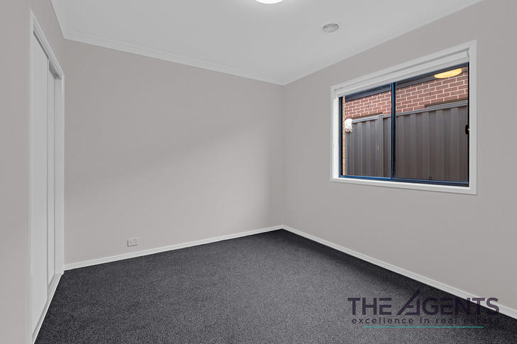 8 Crawford Rise, Cobblebank 3338, VIC House Photo