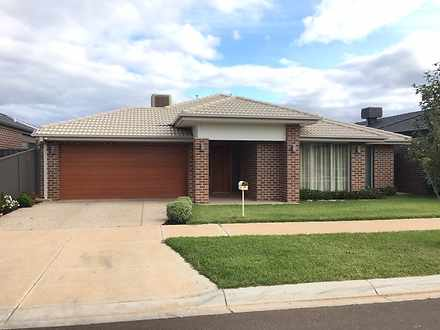 17 Tora Crescent, Fraser Rise 3336, VIC House Photo