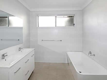 E712ca8fc4a0f11cd33bd8a1 15880 bathroom3 1616562924 thumbnail