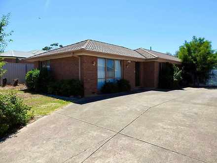 6 Fergus Court, Sydenham 3037, VIC House Photo