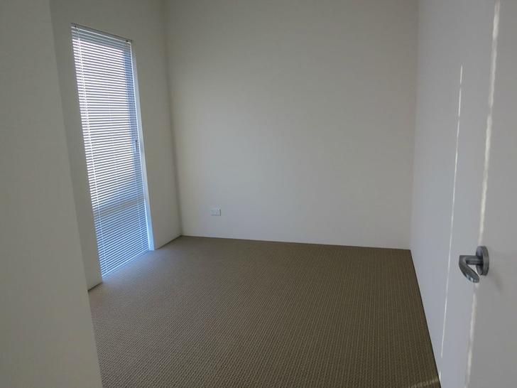 90 Rosegreen Avenue, Butler 6036, WA House Photo
