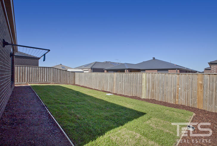 14 Strawberry Road, Manor Lakes 3024, VIC House Photo