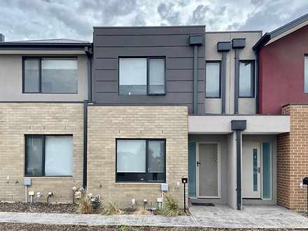 5 Banrock Place, Wollert 3750, VIC Townhouse Photo