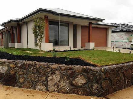 1 Mimulus Road, Maddingley 3340, VIC House Photo