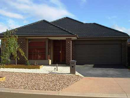 16 Heathcote Retreat, Caroline Springs 3023, VIC House Photo