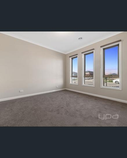 9 Field Avenue, Harkness 3337, VIC House Photo