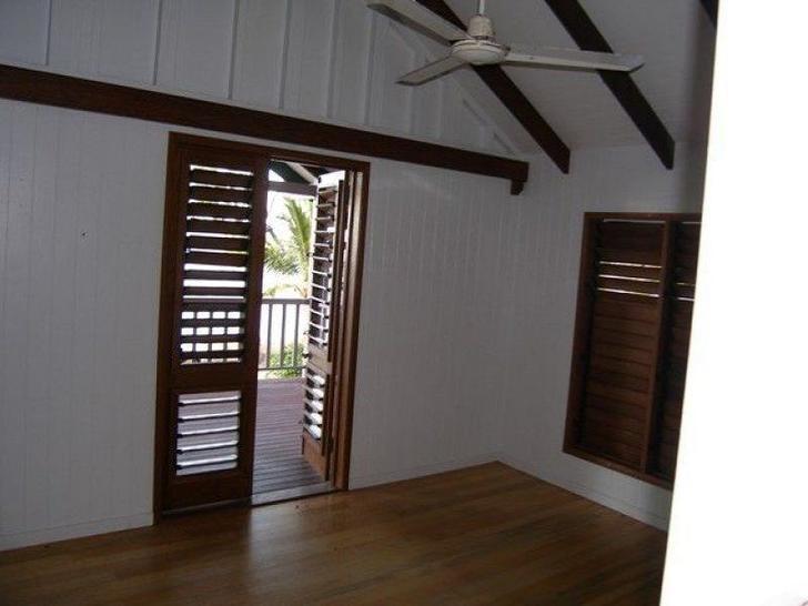 157 O'shea Esplanade, Machans Beach 4878, QLD House Photo