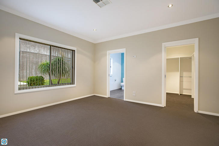 8 Stradbroke Avenue, Shell Cove 2529, NSW House Photo