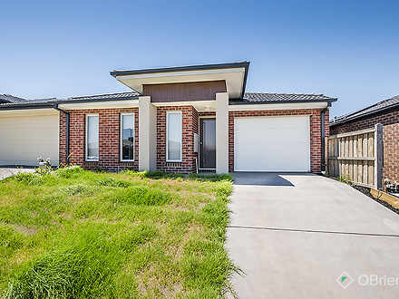5 Goodenia Loop, Cranbourne West 3977, VIC House Photo