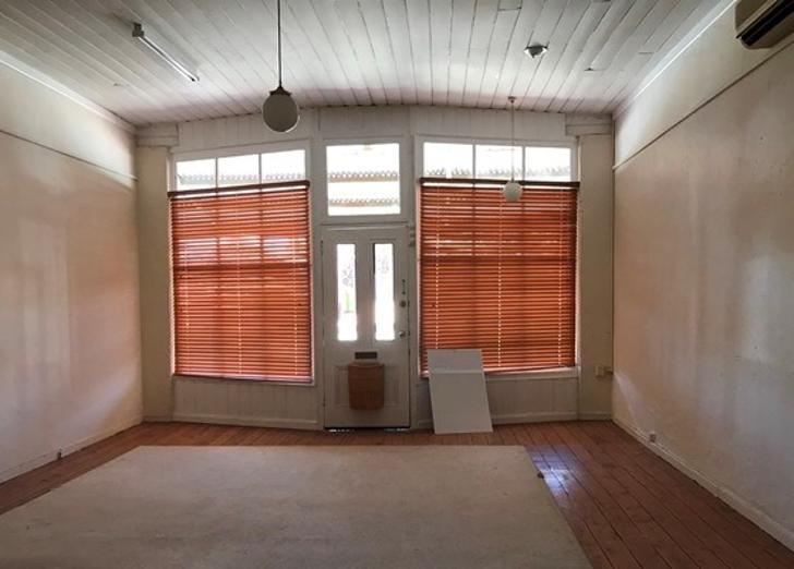 91 Bank Street, Molong 2866, NSW Studio Photo