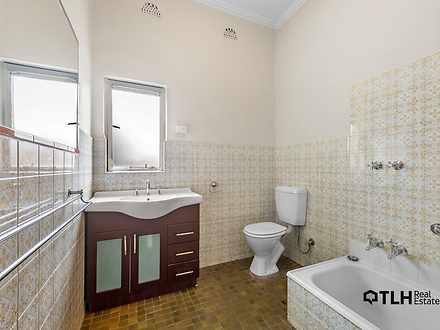 5960d39b36a43659faadb763 bathroom 9336 60776e3992166 1618439834 thumbnail