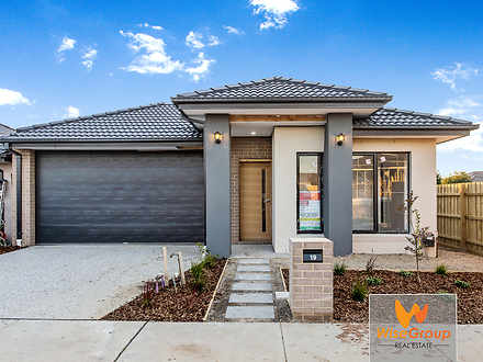 19 Merlot Way, Clyde North 3978, VIC House Photo