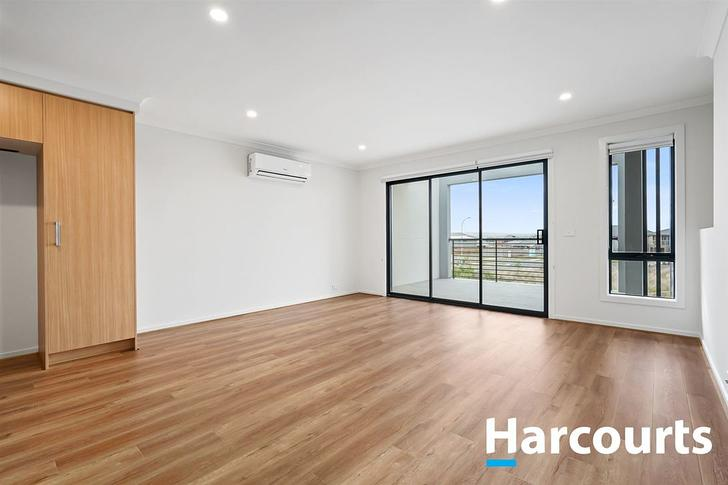 2 Helensburch Passage, Cranbourne West 3977, VIC Townhouse Photo