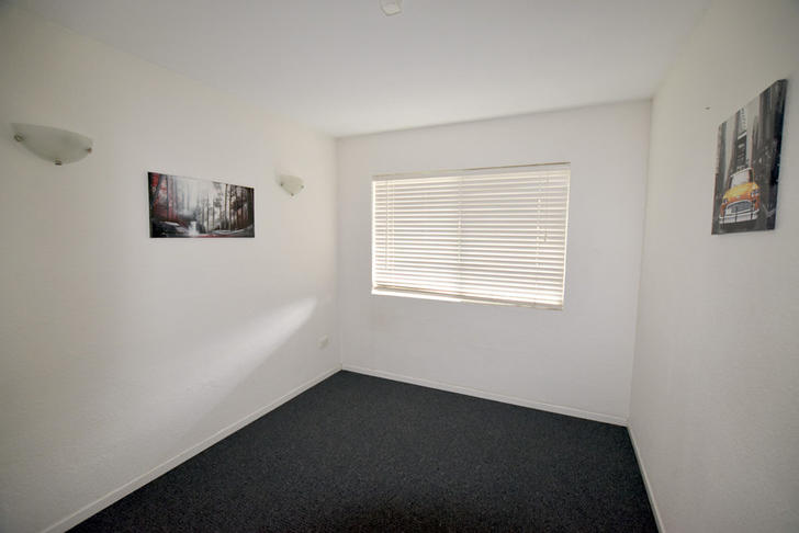 2/8 Roseberry Street, Gladstone Central 4680, QLD Unit Photo