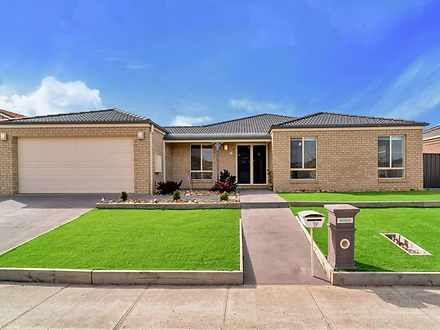 19 Eucumbene Road, Manor Lakes 3024, VIC House Photo