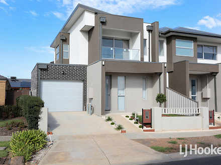31 Hemsley Promenade, Point Cook 3030, VIC House Photo