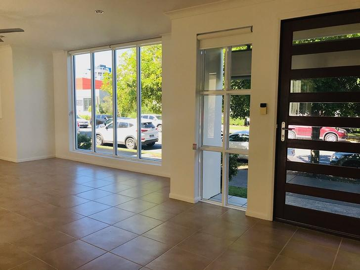 12 Lonsdale Place, Varsity Lakes 4227, QLD Townhouse Photo