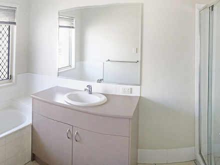 09e355eb71945d7aba043a1c 10144 bathroom 1619064722 thumbnail