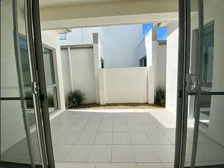 71b courtyard 1619084172 thumbnail