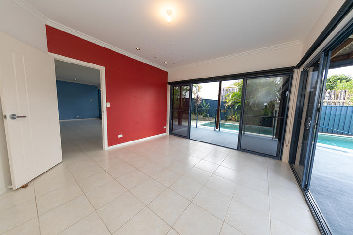 10 Palmer Avenue, Ocean Shores 2483, NSW House Photo