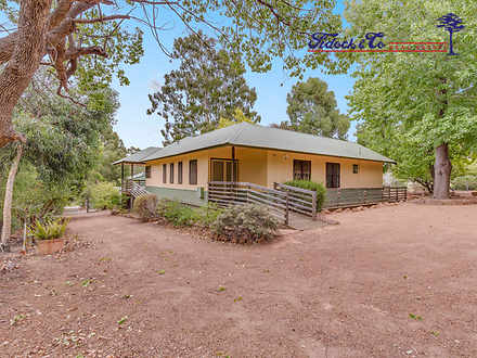 10 Birtwistle Place, Roleystone 6111, WA House Photo