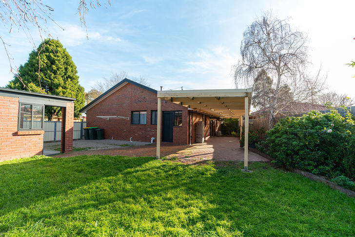 2 Canonbury Circle, Seabrook 3028, VIC House Photo