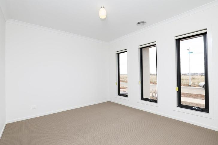 21 Masters Crescent, Mambourin 3024, VIC House Photo