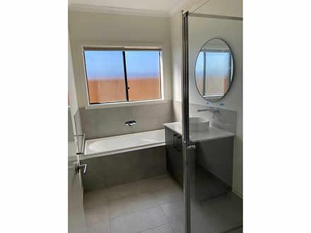 6695941aff7b49d9e6ac558c bathroom 20210423 1222060920 1619577678 thumbnail