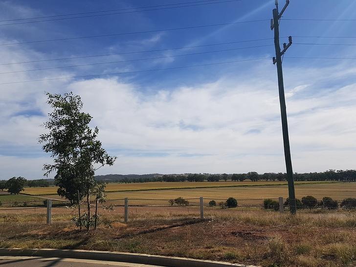 58 Ross Parkway, Gobbagombalin 2650, NSW House Photo