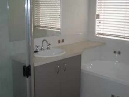 Eb5055083da35ddc835bdebf 10594 bathroom 1620112276 thumbnail