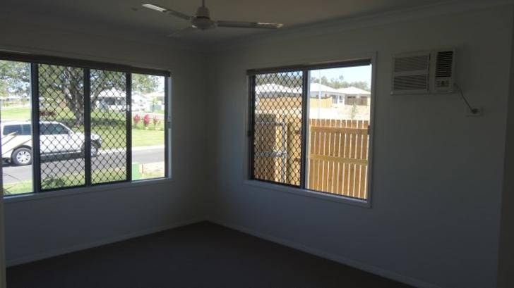 3 Marble Street, Cosgrove 4818, QLD House Photo
