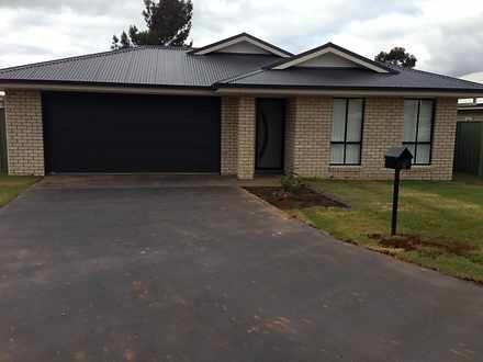 8 Rex Aubrey Place, Parkes 2870, NSW House Photo