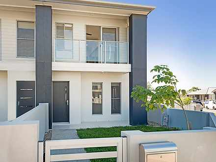 136 Cooper Crescent, Rochedale 4123, QLD Townhouse Photo