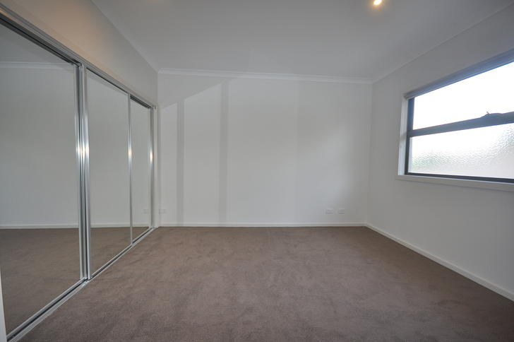 2/647 Middleborough Road, Box Hill 3128, VIC Townhouse Photo