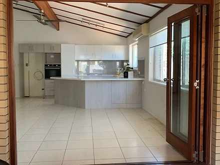 2/11 Muscovey Avenue, Paradise Point 4216, QLD Duplex_semi Photo