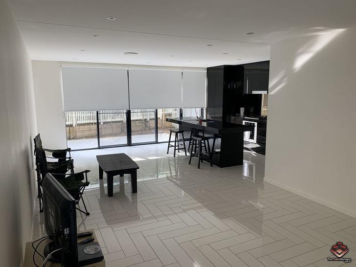ID:3892443/30 Theatre Drive, Benowa 4217, QLD Townhouse Photo