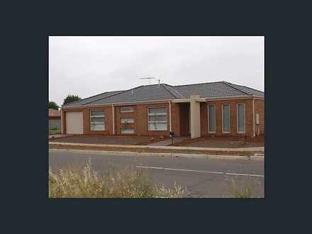 2/27 Woorite Place, Wyndham Vale 3024, VIC House Photo