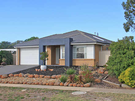 28 Caroline Chisholm Drive, Kyneton 3444, VIC House Photo