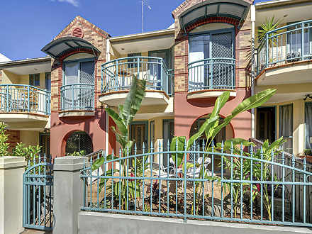 2/108 Victoria Street, Spring Hill 4000, QLD Townhouse Photo