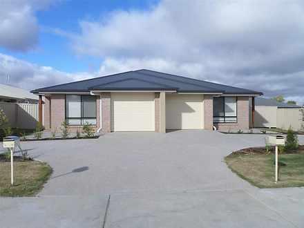1/70 Acacia Drive, Miles 4415, QLD Duplex_semi Photo