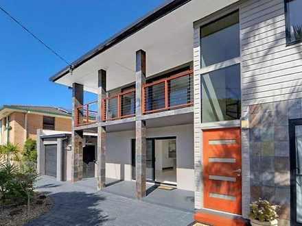 8 Robin Avenue, Paradise Point 4216, QLD House Photo