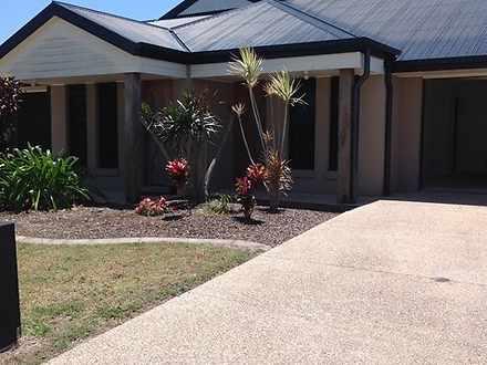 2/3 Bilgola Place, Blacks Beach 4740, QLD Unit Photo