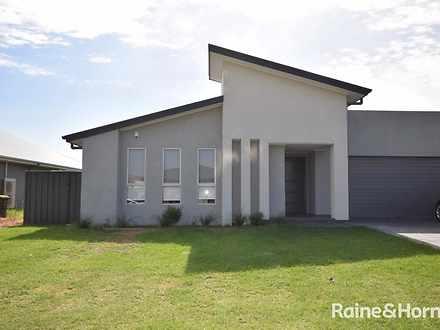 11 Wattlebird Road, South Nowra 2541, NSW Duplex_semi Photo