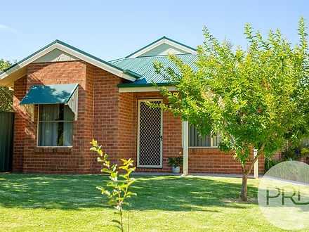 1/355 Wilson Street, East Albury 2640, NSW Townhouse Photo