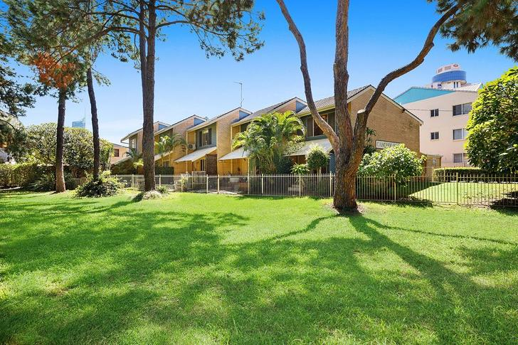 Broadbeach 4218, QLD Townhouse Photo