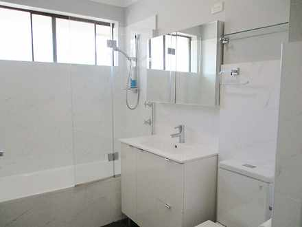 A5f2e532e536559b9e6b50a0 20724 bathroom 1623114812 thumbnail