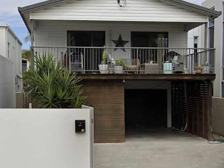 10 Arthur Street, Mermaid Beach 4218, QLD House Photo