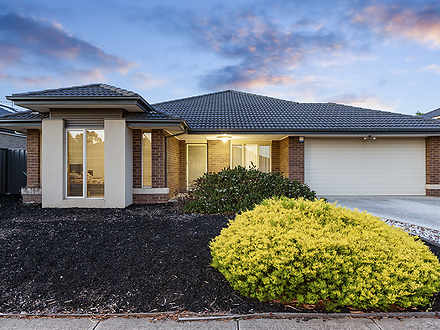 33 Hemlock Crescent, Point Cook 3030, VIC House Photo